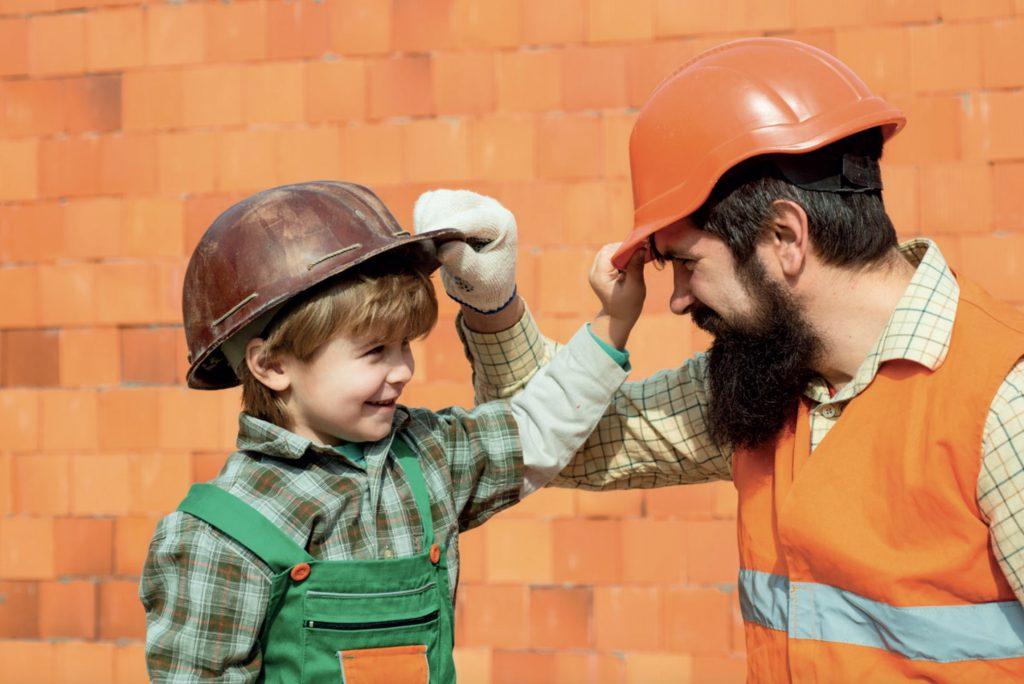 Çocukların daha iyi öğrenebilmeleri için bir görevi nasıl yapacaklarını öğretin