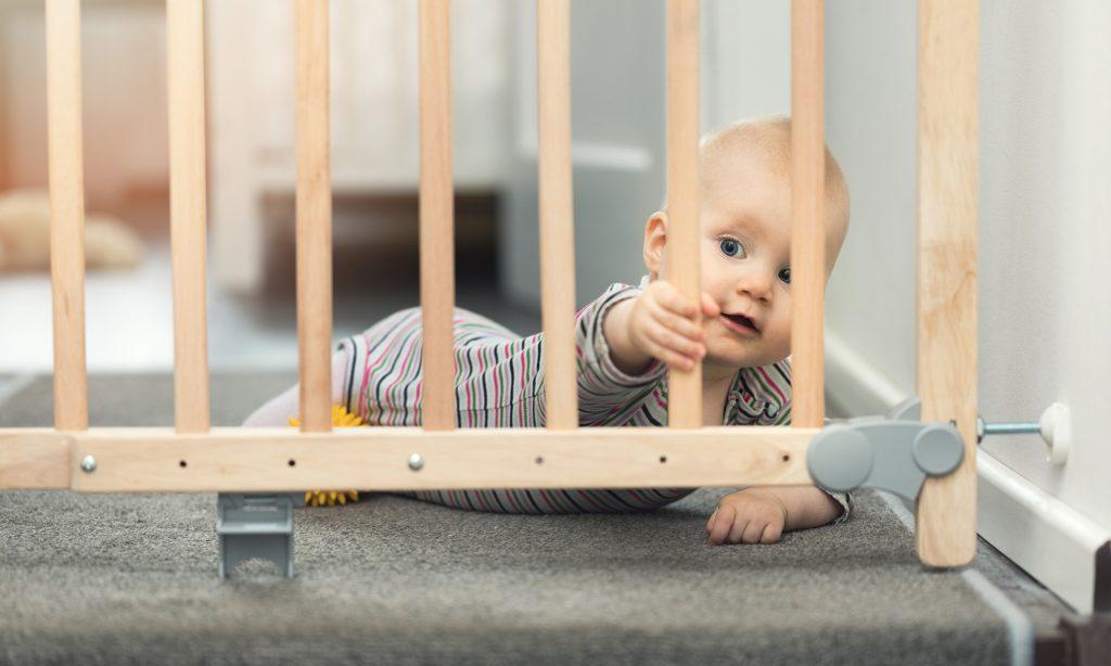 Merdivenler İçin Güvenlik Kapısı Alın