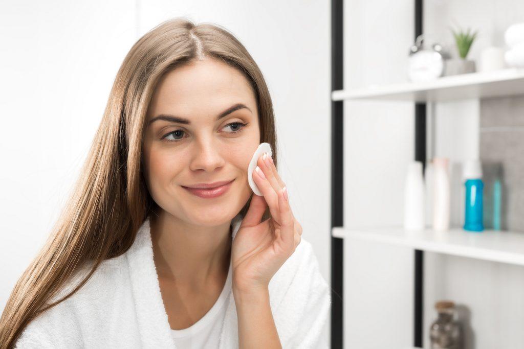 Yüz Temizleme Jeli Kullanımı Nasıl Olmalıdır?